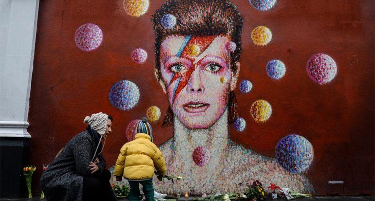 ¡Ups! No puedes nombrar David Bowie a unas estrellas