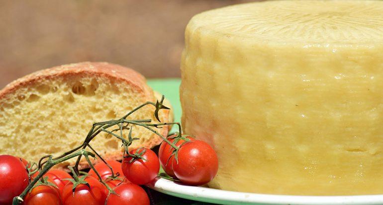 ¿Alguien con migraña debe probar queso?