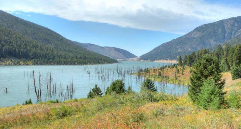 ¿Cómo nació el Lago Quake de Yellowstone?