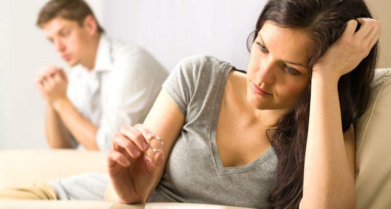 ¿Cuál es el mes con mayor estadística de divorcios?