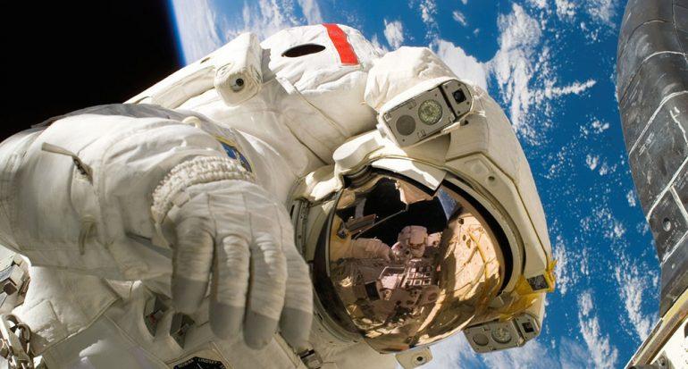 ¿Cuál fue el primer alimento consumido en el espacio?