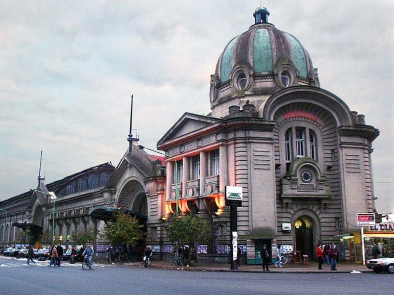 ¿Cuál fue la primera ciudad de América Latina en tener alumbrado público?