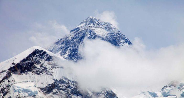 ¿El Monte Everest crece?