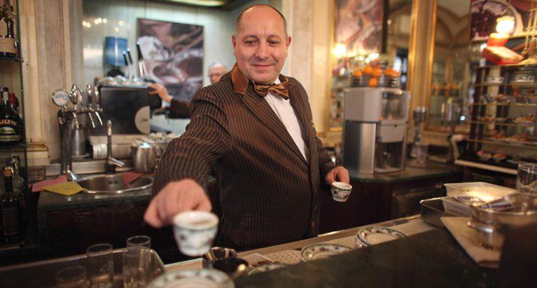 ¿En dónde y cómo bebes el café?