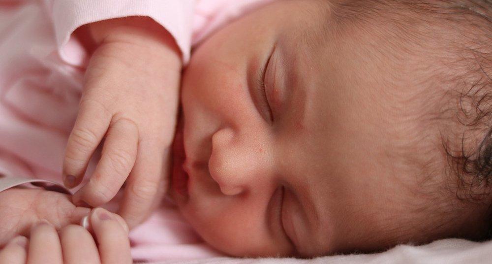 ¿Cuál es el sentido más fuerte de los bebés? sueño niños
