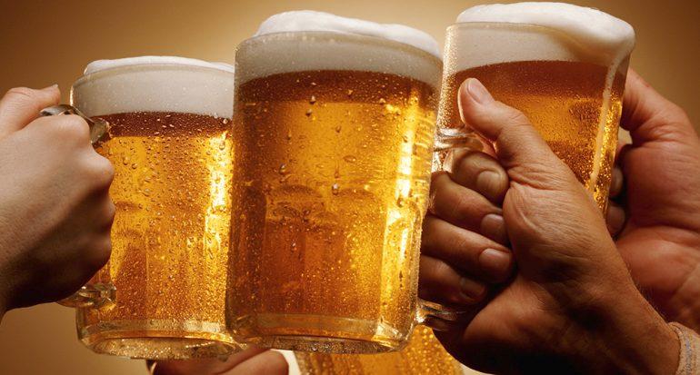 ¿En qué país es de mal gusto brindar con cerveza?