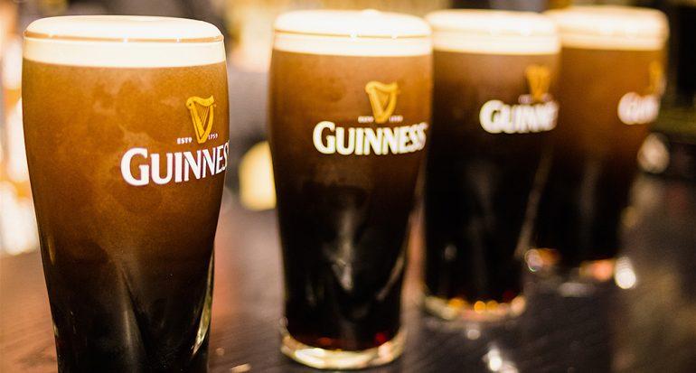 ¿En qué país surgió la cerveza Guinness?