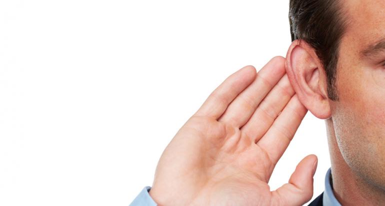 ¿Por qué a los hombres le salen vellos en las orejas?