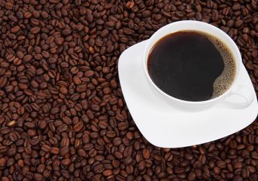 ¿Por qué el café nos quita el sueño?