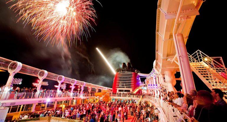 ¿Qué ofrece el barco de Disney a los adultos?