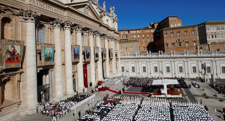 ¿Qué se necesita para ser un santo en la iglesia católica?