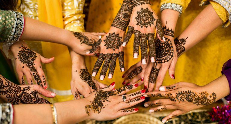 ¿Qué significan los tatuajes de henna de las novias indias?