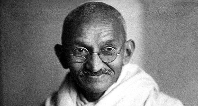 ¿Sabes qué significa la etimología de Mahatma Gandhi?