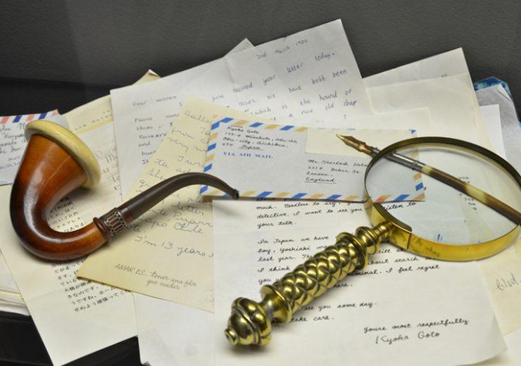 ¿Te gustaría enviarle una carta a Sherlock Holmes?