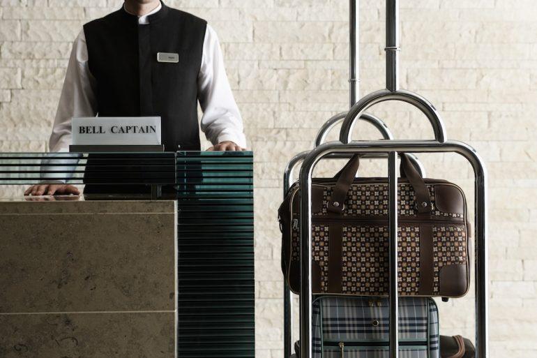 ¿Y cuánto tengo que dejar de propina en un hotel?