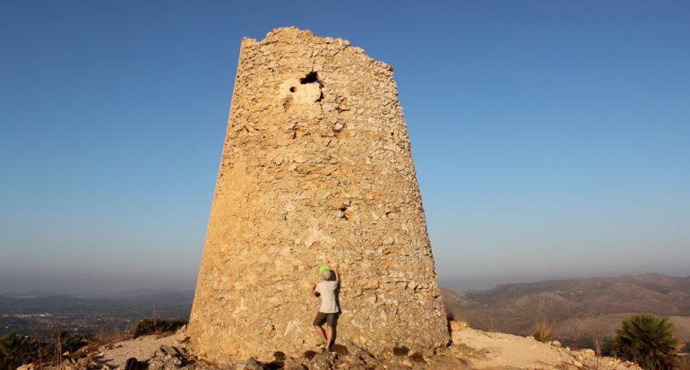 A la conquista de la torre Talaia de Son Jaumell en Mallorca