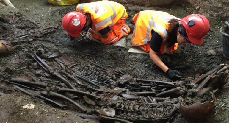 ADN de una tumba hallada en Londres podría revelar misterios de la Gran Peste