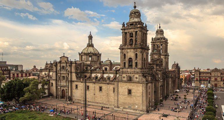 Abren las criptas de la Catedral Metropolitana al público