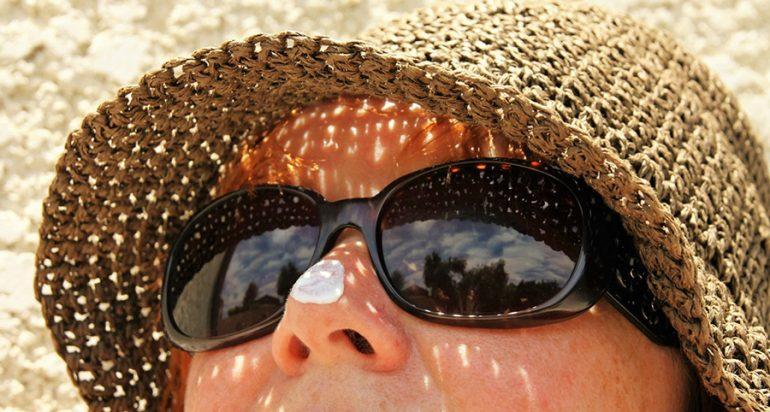 Algunos protectores solares son un peligro para los corales