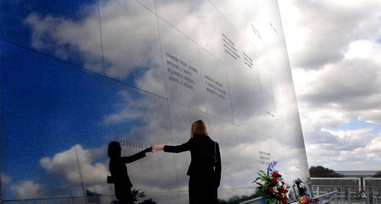 Astronautas del Challenger merecen un memorial en el espacio