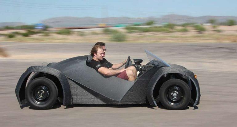Autos hechos con impresoras 3D