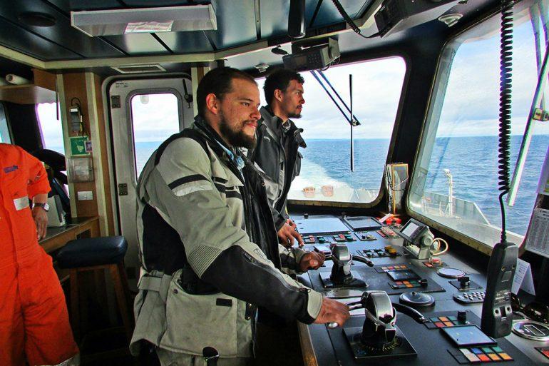 BLOG EN MOTO | Cruzando el estrecho de Magallanes