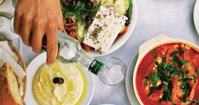 Beber como griego