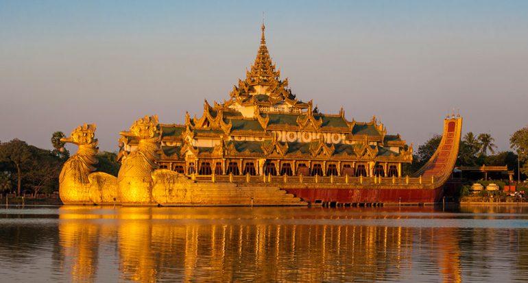 Birmania: más allá del tiempo