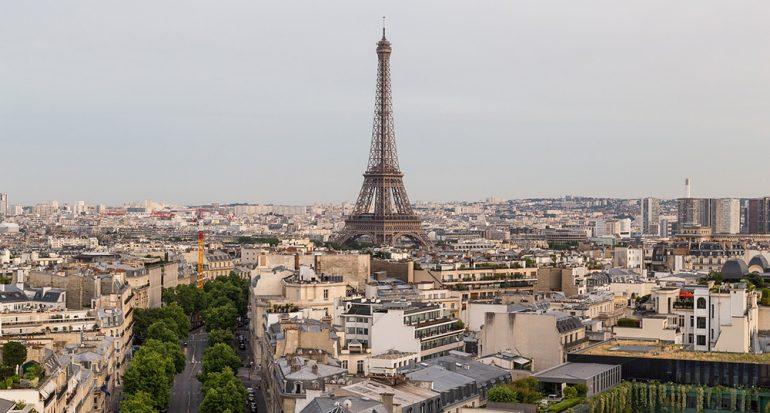 Blindan la Torre Eiffel