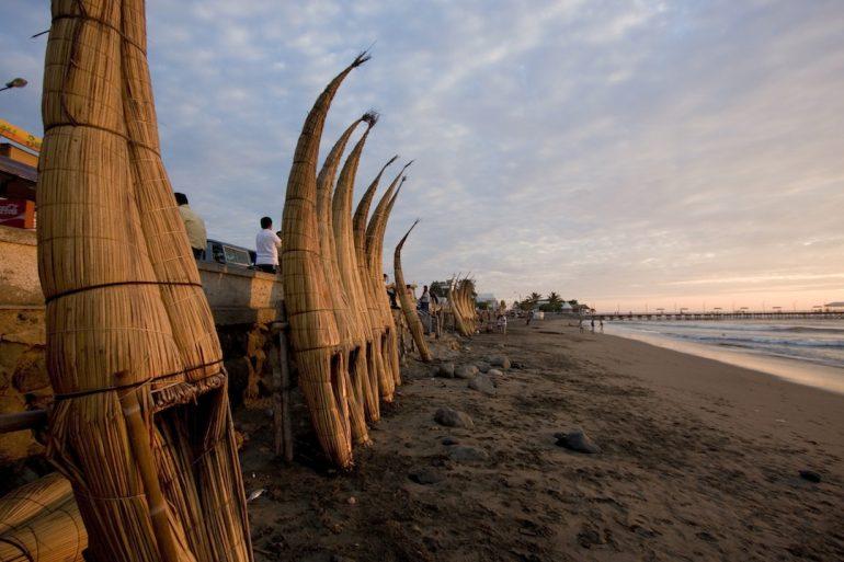 Blog en moto | Cruzando el desierto peruano