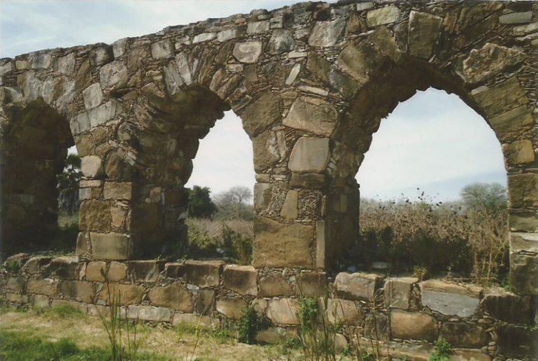 Descubren acueducto de mediados del siglo XIX