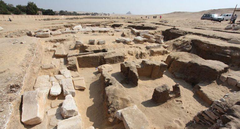 Descubren un templo de Ramsés II en Egipto