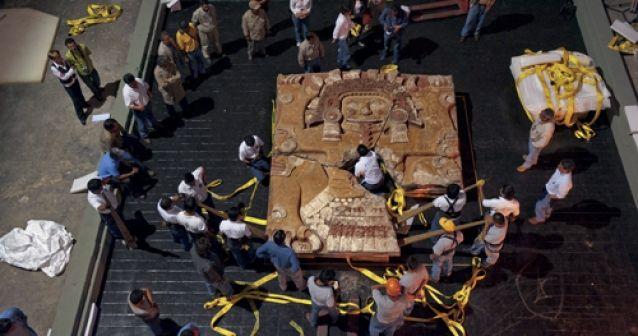 Desentierran a los aztecas