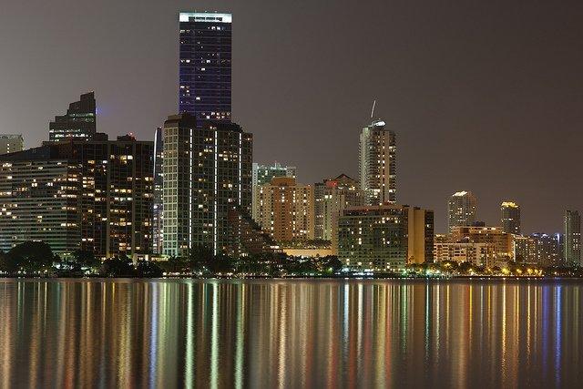 Dormir x Menos | Miami