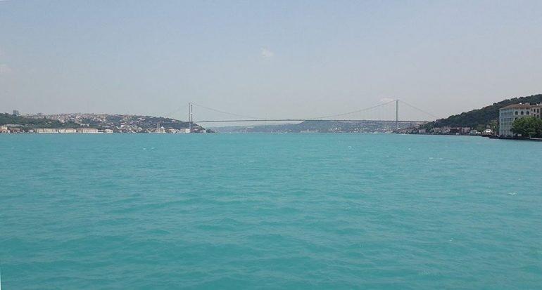 El Mar Negro se tornó turquesa