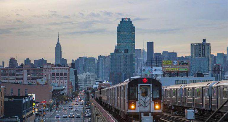 """El Metro de Nueva York elimina la expresión """"damas y caballeros"""""""