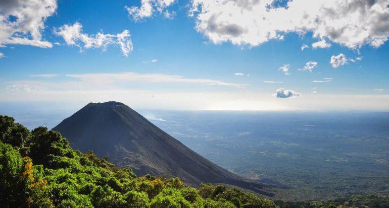 El Salvador prohibió la minería metálica en todo el país