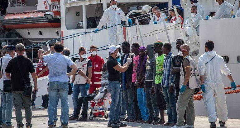 El abrazo a los inmigrantes