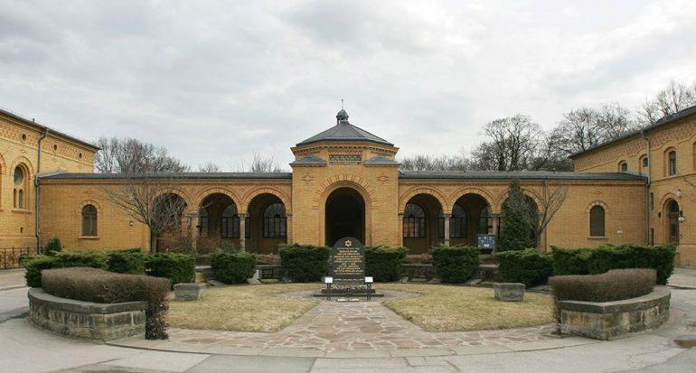 El cementerio que sobrevivió al holocausto