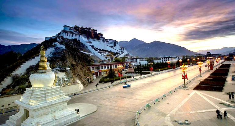 El imponente Palacio del Dalái Lama abre sus puertas a turistas