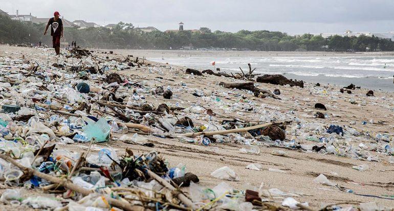 El plástico que se abre paso al mar