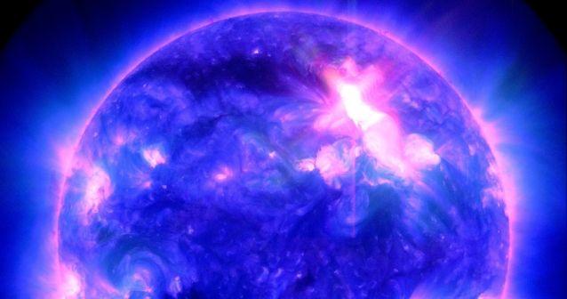 El sol arrojó una erupción hacia la Tierra