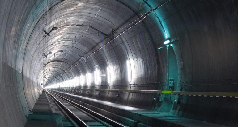 El túnel ferroviario más largo del planeta
