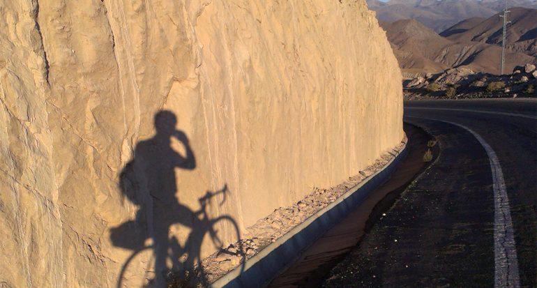 En bicicleta de carreras por los Andes