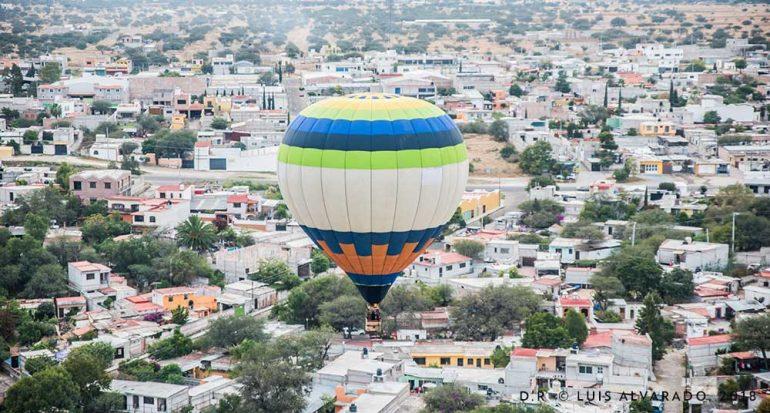 En globo sobre la ciudad