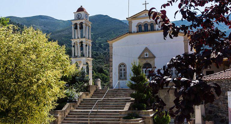 En todoterreno al interior de Creta