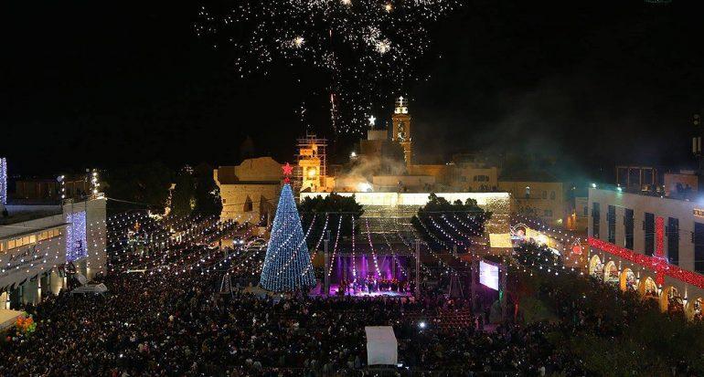 Encienden árboles de Navidad en la tierra donde nació Jesucristo