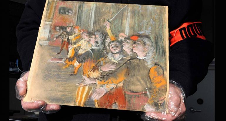 Encuentran una obra de un millón de dólares en autobús de París