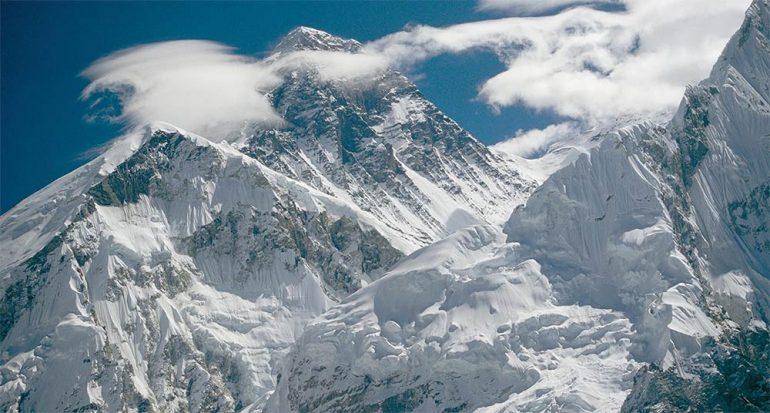 Entre conquistar el Everest y el riesgo de la vida
