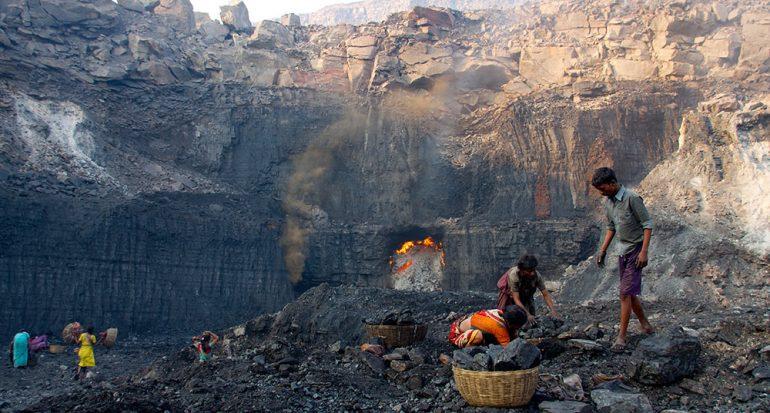 Entre el carbón y la energía solar